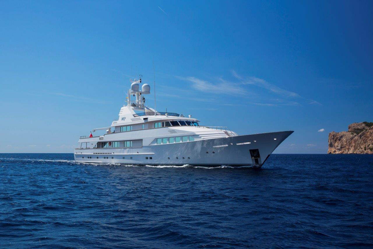 MQ2 yatch for charter